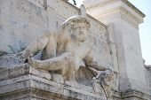 pic of emanuele  - A view of the Monumento Nazionale a Vittorio Emanuele II - JPG