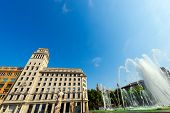 picture of squares  - Fountain and palaces in Catalunya square  - JPG