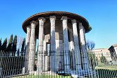 picture of hercules  - The Temple of Hercules Victor ancient edifice located in Piazza Bocca della Verit - JPG