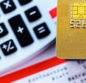 image of status  - a golden credit card - JPG