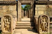 pic of vihara  - Polonnaruwa ruin was the second capital of Sri Lanka after the destruction of Polonnaruwa - JPG