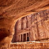 picture of treasury  - Al Khazneh  - JPG