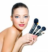 Portrait of beautiful Woman mit Make-up Pinsel