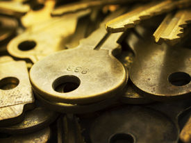 picture of extreme close-up  - Many brass keys - JPG