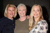 LOS ANGELES - FEB 7:  Alley Mills, Susan Flannery, Jennifer Gareis at the 6000th Show Celebration at