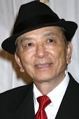 LOS ANGELES - 4 de fev: James Hong chega no 39º Annual Annie Awards no Royce Hall na UCLA em F