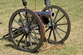 pic of artillery  - Highly polished short barrel of a cannon used by the Confederate artillery forces of the Civil War - JPG