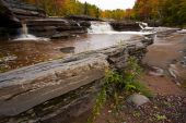 Michigan Upper Peninsula waterval In de herfst
