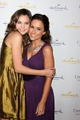 LOS ANGELES - JAN 11: Bailee Madison, Lacey Chabert at the Hallmark Winter TCA Party at The Huntingt