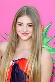 LOS ANGELES - MAR 23:  Willow Shields arrives at Nickelodeon's 26th Annual Kids' Choice Awards at th