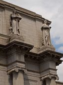 picture of amtrak  - Union Station at Washington DC with Statues - JPG