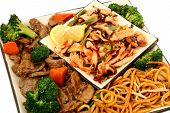 foto of lo mein  - Lo Mein broccoli beef squid salad carrots - JPG