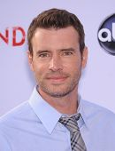 LOS ANGELES - MAY 16:  Scott Foley arrives to the