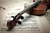 pic of cello  - Music collection - JPG