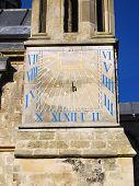 Постер, плакат: Солнечные часы на Чичестер собор Западный Суссекс Англия