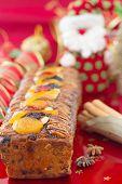 Постер, плакат: Рождественский торт с праздничное украшение вертикальная композиция