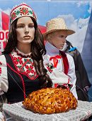 picture of no clothes  - Belorussian national clothes on the mannequins  - JPG