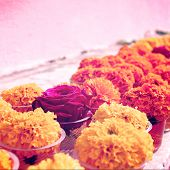 picture of marigold  - Marigold and rose for offering respect at Mahabodhi Temple - JPG