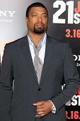 LOS ANGELES - MAR 13:  Deray Davis arrives at the
