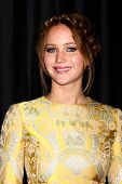 LOS ANGELES - JAN 12: Jennifer Lawrence kommt 2013 LA Film Critics Award bei InterContinental