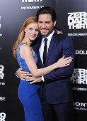 LOS ANGELES - DEC 09:  Jessica Chastain & Edgar Ramirez arrives to the