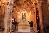 picture of altar  - The decoration at altar Inside of Noravank Monastery - JPG