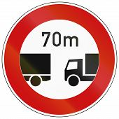 picture of traffic rules  - German traffic sign prohibiting traffic without indicated minimum distance between vehicles of 70 meters - JPG
