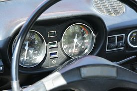picture of steers  - Old timer care steering wheel - JPG