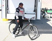 LOS ANGELES - MAR 23:  Wanda Sykes using the community bike at the 37th Annual Toyota Pro/Celebrity