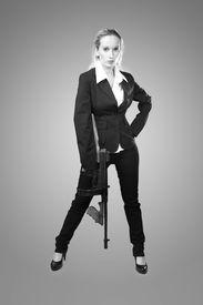 picture of tommy-gun  - Mafia style fashion studio portrait  - JPG