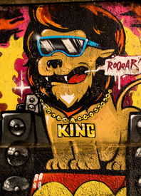 foto of street-art  - Nice graffiti representing the Lion King as rap - JPG
