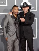 LOS ANGELES - FEB 10:  Nelly & Tim McGraw arrives to the Grammy Awards 2013  on February 10, 2013 in