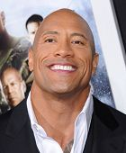 LOS ANGELES - 28 de MAR: Dwayne Johnson llega a la Premier de Los Angeles de