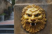 picture of messina  - Lion sculpture on a wall - JPG