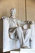 pic of abraham  - Abraham Lincoln statue at the Lincoln Memorial - JPG