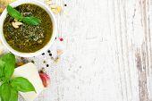 ������, ������: Basil pesto sauce and fresh ingredients