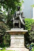 Estatua de William H. Seward en el Madison Square Park