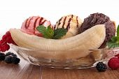 picture of banana split  - banana split - JPG