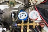 picture of air pressure gauge  - Compressed air car components to be repaired - JPG