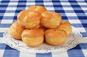 picture of cream puff  - A mound of cream puffs with french vanilla filling - JPG