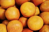 pic of stall  - real organic grapefruits at a market stall - JPG