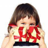 Постер, плакат: Счастливая девушка держа подарки в руках