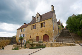 pic of domme  - Houses in the picturesque small ancient city of Domme in the Dordogne destrict - JPG