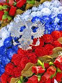 picture of sceptre  - Wreath of artificial roses in tricolor and emblem of Russian coat of arms in form of double - JPG