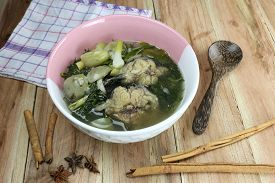 picture of om  - This is a local foods of Thailand the name is  - JPG